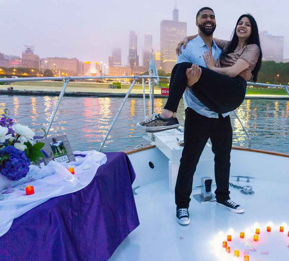Proposal of marriage on Yacht Chicago Private Yacht Rentals