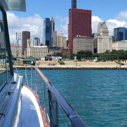 Adeline's Se Moose Lakefront cruises