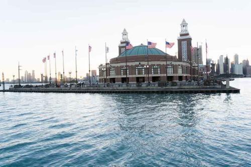 Adeline's Sea Moose Chicago lakeshore tours